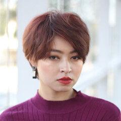 アンニュイほつれヘア エレガント ハンサムショート ウザバング ヘアスタイルや髪型の写真・画像