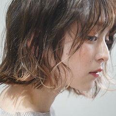 インナーカラー レイヤーボブ フェミニン ミニボブ ヘアスタイルや髪型の写真・画像