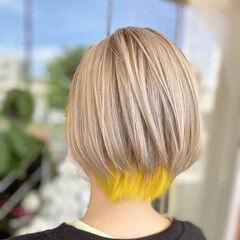イエロー イヤリングカラー ショート インナーカラー ヘアスタイルや髪型の写真・画像