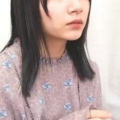 ナチュラル セミロング 透明感カラー アッシュグレージュ ヘアスタイルや髪型の写真・画像