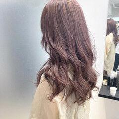 ダブルカラー インナーカラー ロング ピンクアッシュ ヘアスタイルや髪型の写真・画像