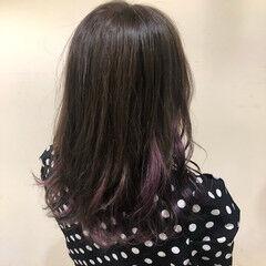 ベリーピンク セミロング インナーカラー インナーカラーパープル ヘアスタイルや髪型の写真・画像