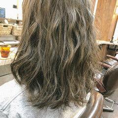 大人ミディアム アディクシーカラー ミディアムレイヤー オルティーブアディクシー ヘアスタイルや髪型の写真・画像