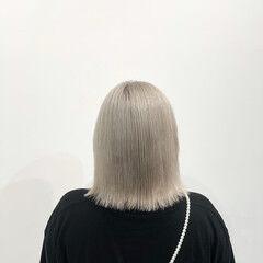 ハイトーン ベージュ モード ホワイトブリーチ ヘアスタイルや髪型の写真・画像