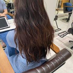 ロング レッドブラウン ピンクブラウン 韓国ヘア ヘアスタイルや髪型の写真・画像