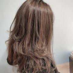 ロング アッシュグレージュ 3Dハイライト エレガント ヘアスタイルや髪型の写真・画像