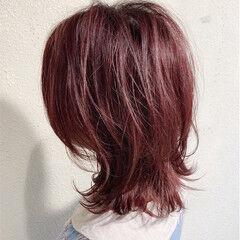 ミディアム マッシュウルフ カシスレッド ブリーチ ヘアスタイルや髪型の写真・画像