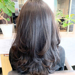 ロング ロングヘアスタイル レイヤーカット アッシュブラウン ヘアスタイルや髪型の写真・画像