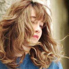 外国人風 小顔ヘア ストリート ゆるふわパーマ ヘアスタイルや髪型の写真・画像
