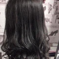 フェミニン アッシュグレージュ 外国人風カラー ラベンダーグレージュ ヘアスタイルや髪型の写真・画像