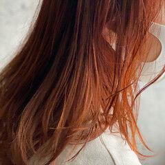 オレンジカラー ナチュラル ミディアムレイヤー ロング ヘアスタイルや髪型の写真・画像