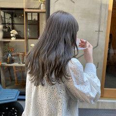 透明感カラー アンニュイほつれヘア くすみカラー ナチュラル ヘアスタイルや髪型の写真・画像