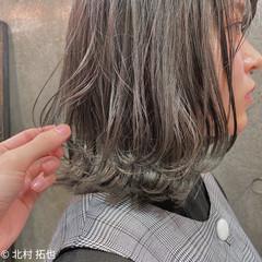 グレージュ ナチュラル ブリーチオンカラー ボブ ヘアスタイルや髪型の写真・画像