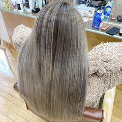 デザインカラー バレイヤージュ エアータッチ フェミニン ヘアスタイルや髪型の写真・画像