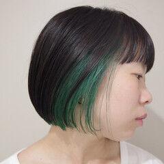 インナーカラー モード 切りっぱなしボブ ミニボブ ヘアスタイルや髪型の写真・画像