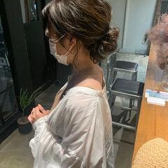 フェミニン セミロング おだんご ヘアスタイルや髪型の写真・画像