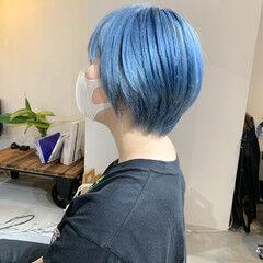 ブルー ショート ターコイズブルー ブリーチ ヘアスタイルや髪型の写真・画像