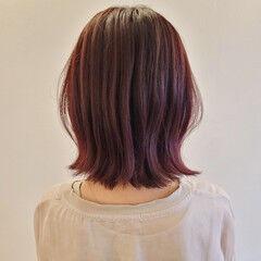 大人女子 ミディアム ピンク ラズベリーピンク ヘアスタイルや髪型の写真・画像