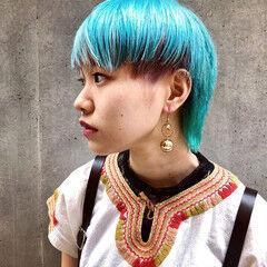 ビビッドカラー ブルー ブリーチ ショート ヘアスタイルや髪型の写真・画像