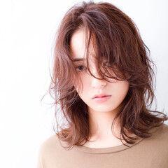大人ミディアム ミディアム ミディ ミディアムレイヤー ヘアスタイルや髪型の写真・画像