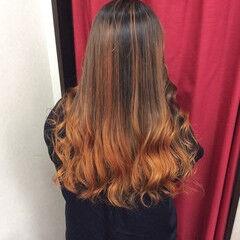 オレンジカラー グラデーションカラー ロング グラデーション ヘアスタイルや髪型の写真・画像