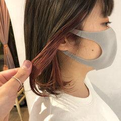 ピンクラベンダー インナーカラー ガーリー ピンクベージュ ヘアスタイルや髪型の写真・画像