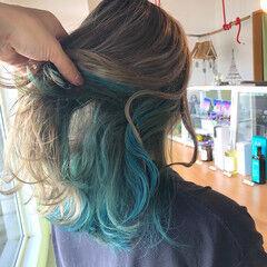 インナーグリーン ストリート エメラルドグリーンカラー グリーン ヘアスタイルや髪型の写真・画像