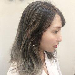 ウェーブ グラデーションカラー ミディアム ハイライト ヘアスタイルや髪型の写真・画像