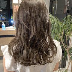 透明感カラー ベージュ オリーブベージュ ミントアッシュ ヘアスタイルや髪型の写真・画像