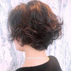 ゆるふわパーマ ショート ナチュラル ショートボブ ヘアスタイルや髪型の写真・画像
