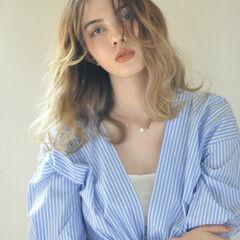 ゆるウェーブ おフェロ 大人かわいい セミロング ヘアスタイルや髪型の写真・画像