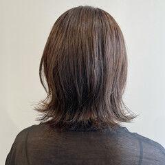 ウルフカット アッシュベージュ ミディアム アッシュグレージュ ヘアスタイルや髪型の写真・画像