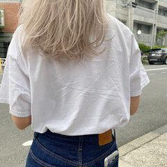 セミロング アッシュ ホワイトブリーチ ホワイトアッシュ ヘアスタイルや髪型の写真・画像