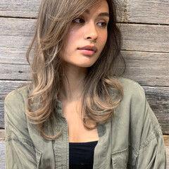 ハイライト インナーカラー バレイヤージュ セミロング ヘアスタイルや髪型の写真・画像