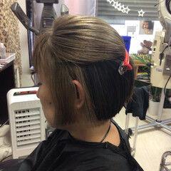 ミルクティーベージュ ショートボブ ショート アッシュグレー ヘアスタイルや髪型の写真・画像