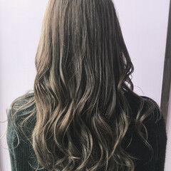 オリーブグレージュ 圧倒的透明感 アッシュグレージュ 透明感 ヘアスタイルや髪型の写真・画像