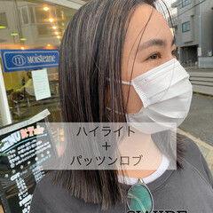 ナチュラル 大人ハイライト ミニボブ 極細ハイライト ヘアスタイルや髪型の写真・画像