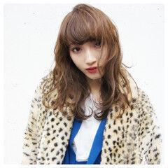 ミディアム ストリート 前髪あり ピュア ヘアスタイルや髪型の写真・画像