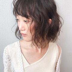 パーマ コンサバ オフィス ゆるふわパーマ ヘアスタイルや髪型の写真・画像