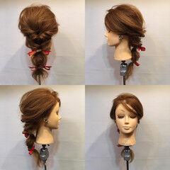 フェミニン セミロング くるりんぱ ヘアアクセ ヘアスタイルや髪型の写真・画像