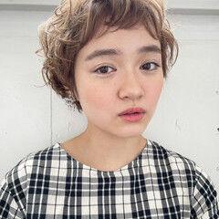 前髪パーマ ナチュラル ベリーショート ショート ヘアスタイルや髪型の写真・画像