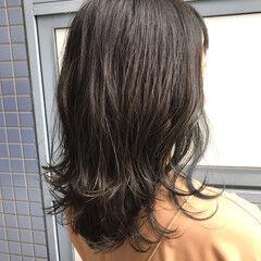 ウルフカット 透明感カラー ナチュラル レイヤーカット ヘアスタイルや髪型の写真・画像