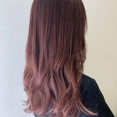 ハイライト ロング ピンクカラー ピンクベージュ ヘアスタイルや髪型の写真・画像
