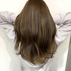 インナーピンク コントラストハイライト フェミニン ミディアム ヘアスタイルや髪型の写真・画像
