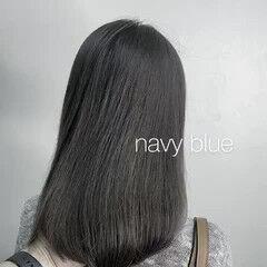 ネイビーブルー インナーカラー ウルフカット セミロング ヘアスタイルや髪型の写真・画像