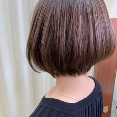 ショートボブ 切りっぱなしボブ ナチュラル ショートヘア ヘアスタイルや髪型の写真・画像