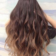 エクステ フェミニン ミディアム 巻き髪 ヘアスタイルや髪型の写真・画像