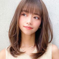 セミディ コンサバ レイヤーカット 小顔 ヘアスタイルや髪型の写真・画像