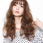フェミニン パーマ 前髪あり 透明感
