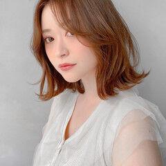 デジタルパーマ ナチュラル 流し前髪 暖色 ヘアスタイルや髪型の写真・画像